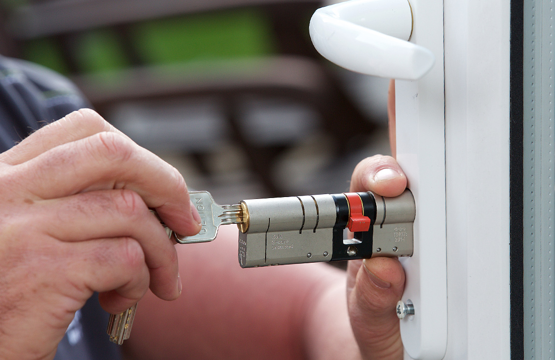 Anti-snap lock package offer Doncaster